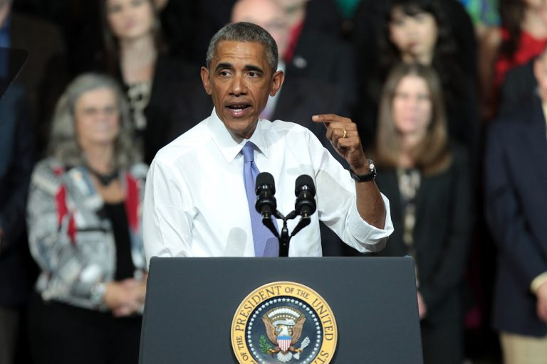 Obama praises genocidal South African leader who promotes mass murder of whites