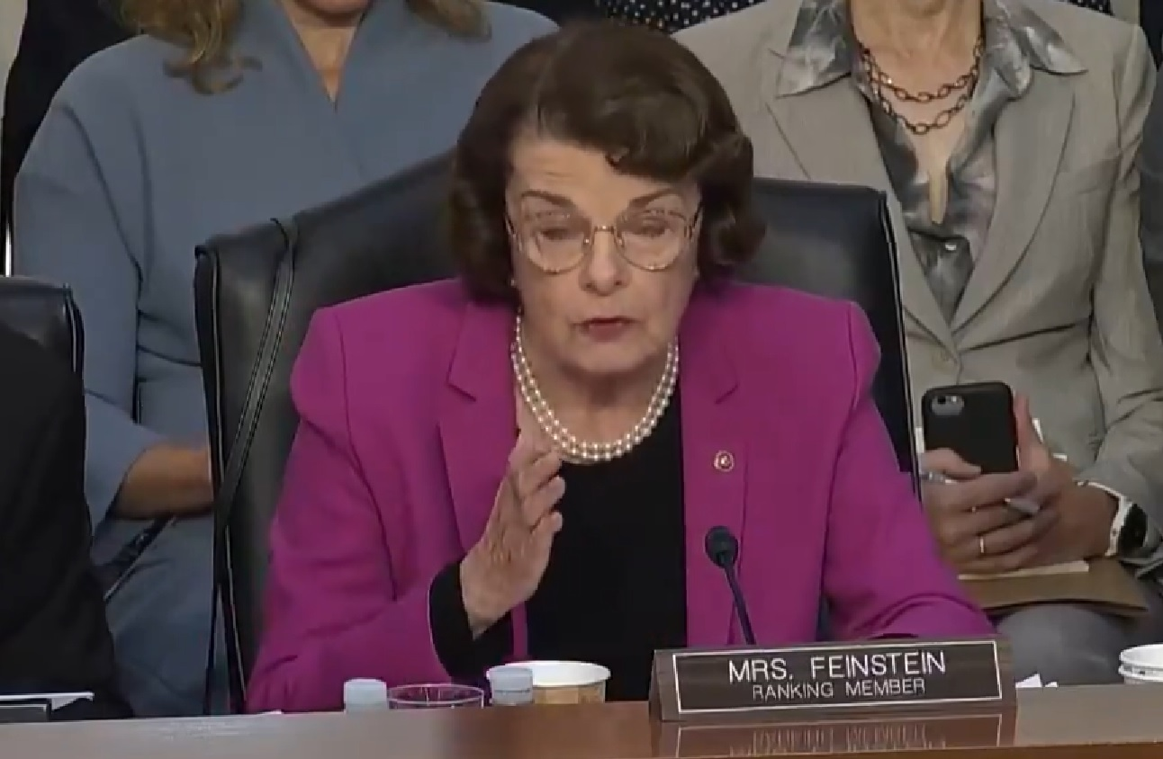 Photo of Senator Feinstein: If Brett Kavanaugh Is Confirmed, More People Will Be Shot & Killed