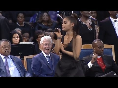 Photo of Bill Clinton drools at singer young enough to be his granddaughter