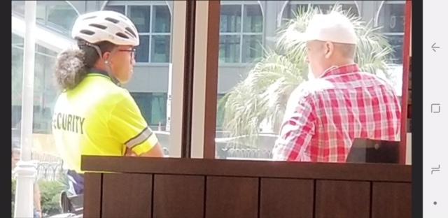 "Photo of Vegas security guard admits ""no windows were shot out at Mandalay Bay"" during attack"