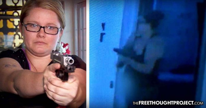 Photo of California: Despite Strict Gun Control, Mom Manages to Buy a Gun and Protects Kids from Home Invader