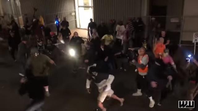 Photo of Masked Antifa Mob Attacks Patriot Prayer, Proud Boys At Portland March
