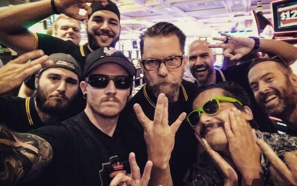 Photo of FBI Classifies Proud Boys As 'Extremist Group,' Warns Police They're 'Violent'
