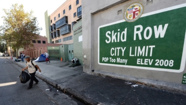 Photo of Voter Fraud: LA's Skid Row Homeless Bribed With Cash and Cigarettes for Fraudulent Signatures