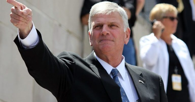 "Franklin Graham Warns That ""Our Country Could Begin To Unravel"" If President Trump Is Removed From Office"