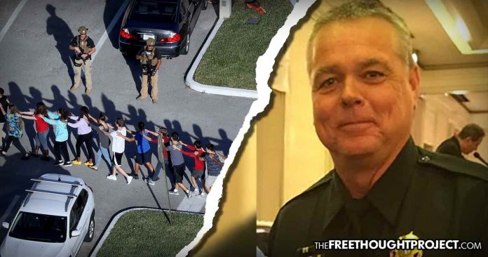 Photo of Coward Cop Who Failed to Confront Parkland Shooter Says He Had 'No Legal Duty' to Act—Law Says He's Right