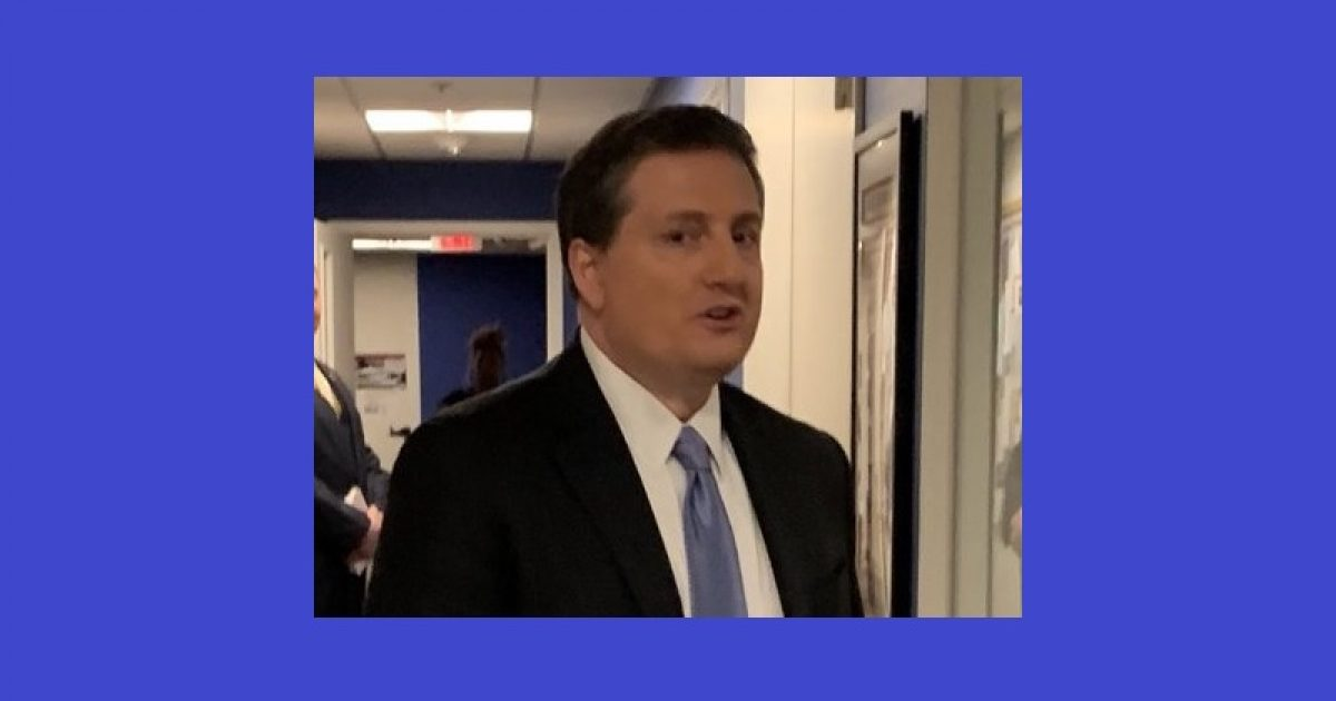 Photo of Former Clinton aide caught at Fox News with pants down, reportedly screams about wiping 'pubic hair' off Trump campaign spokesperson