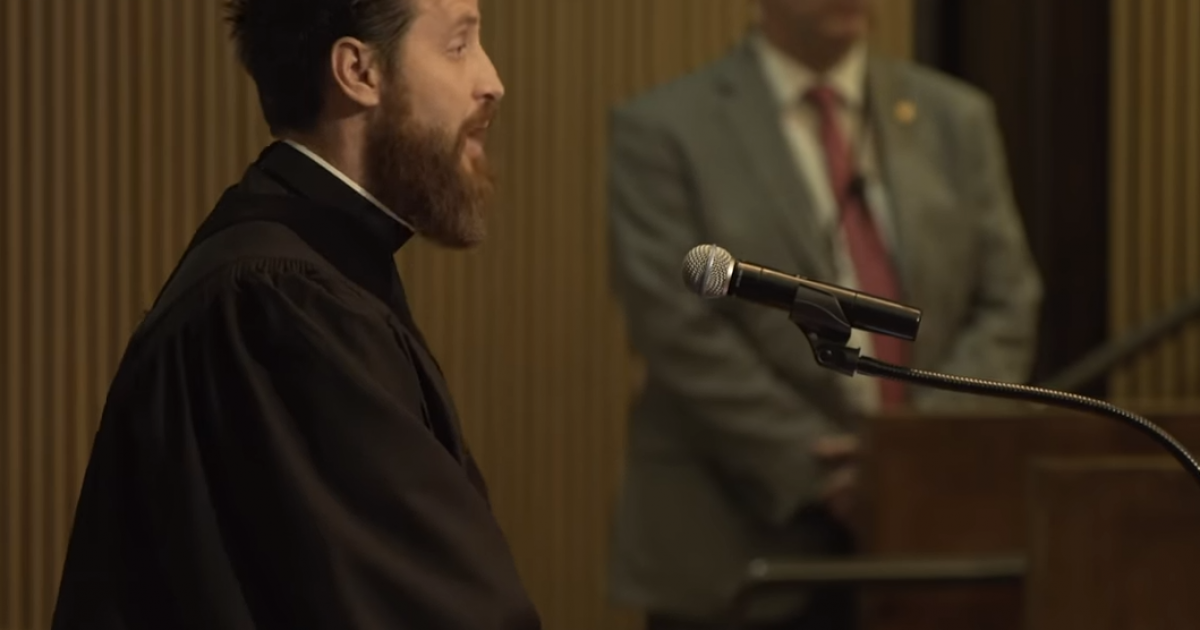 Photo of Pastor Confronts Phoenix City Council For Failing To Uphold Arizona Law On Abortion: 'This is Happening On Your Watch'