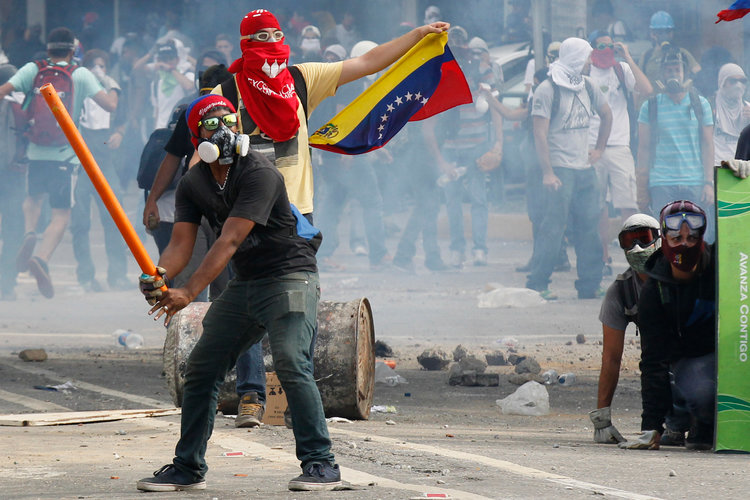 "Photo of The Venezuelan Collapse Is Now A Fight For Survival: ""Never In My Life Have I Seen Something Like This"""