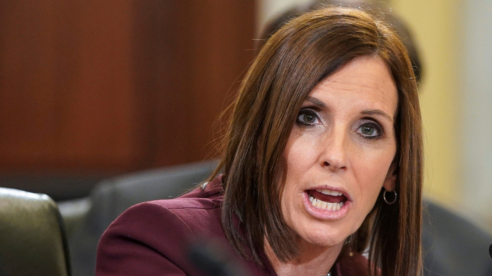 Photo of Arizona Senator Martha McSally Reveals She Was Raped by an Air Force Superior