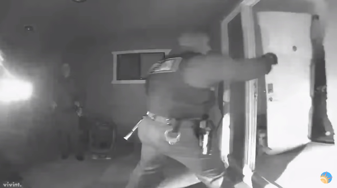 Photo of Take Your Poison Or Else — Armed SWAT team violently storms family's home, kidnaps three children for not being vaccinated