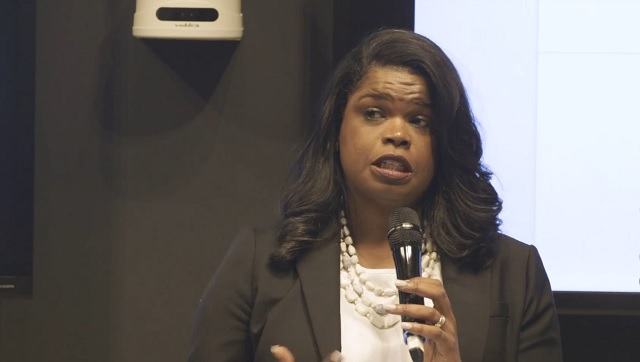 Photo of Kim Foxx Did Not 'Formally' Recuse Herself in Smollett Case, Only 'Recused' In A 'Colloquial' Sense
