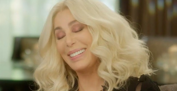 Photo of Cher Suddenly Doesn't Support Mass Immigration After Trump's 'Sanctuary Cities' Threat