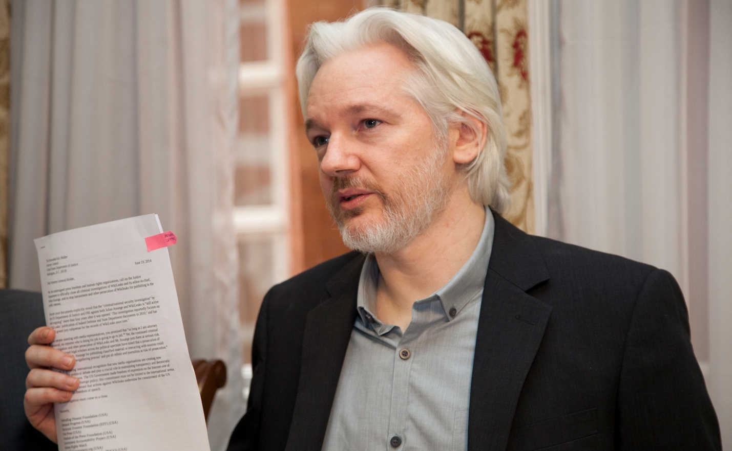 Photo of How is what Julian Assange has done with Wikileaks any different than U.S. newspaper coverage of Watergate or the Pentagon Papers?