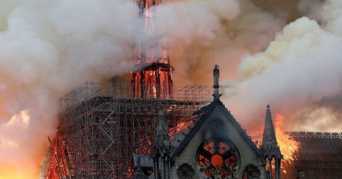 """Photo of """"Allah Est Grand"""": Muslims Laugh, Celebrate As Blaze Destroys Notre Dame Cathedral During Holy Week"""