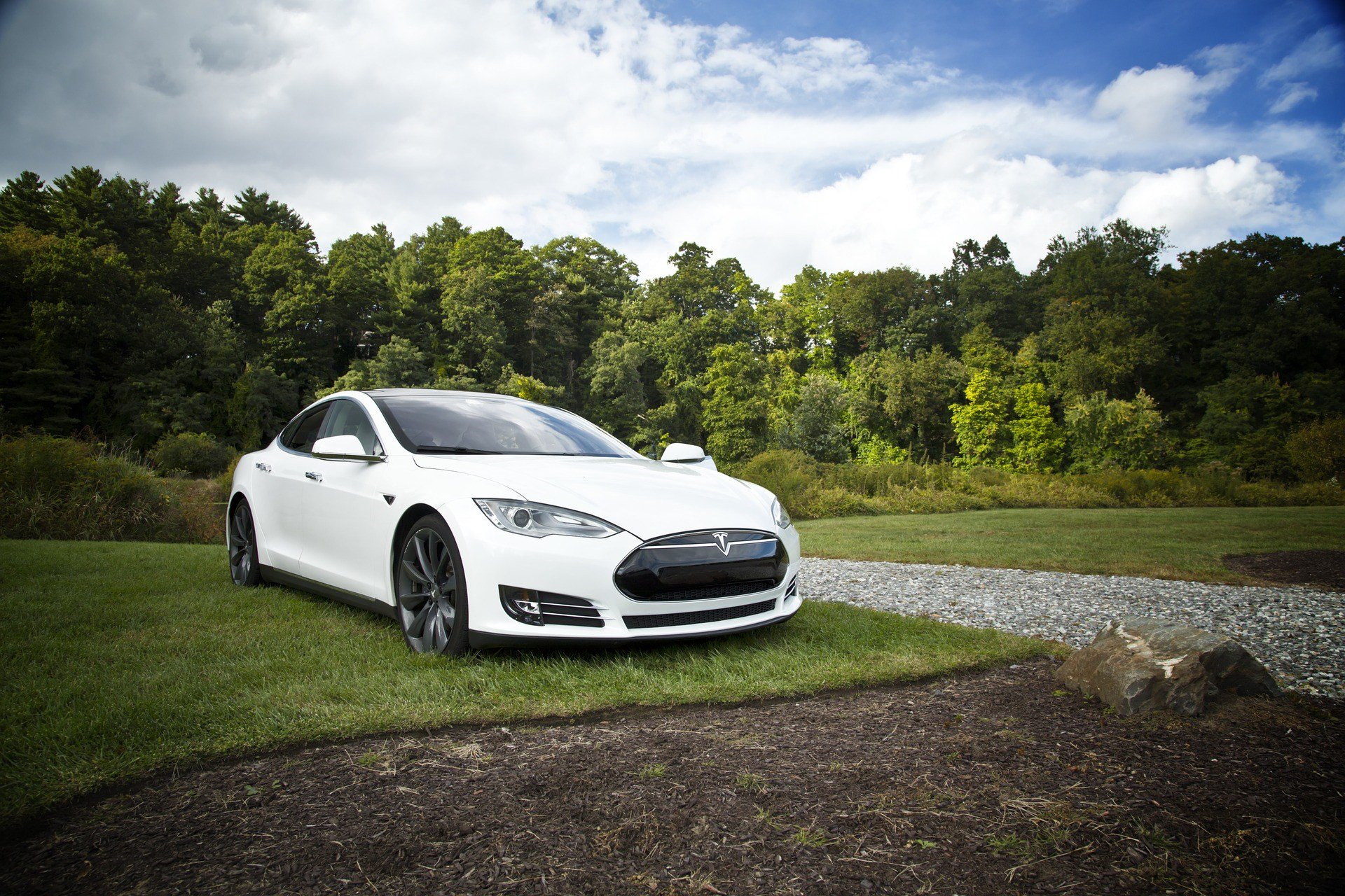 Photo of Electric Cars Aren't Nearly as Green as People Think