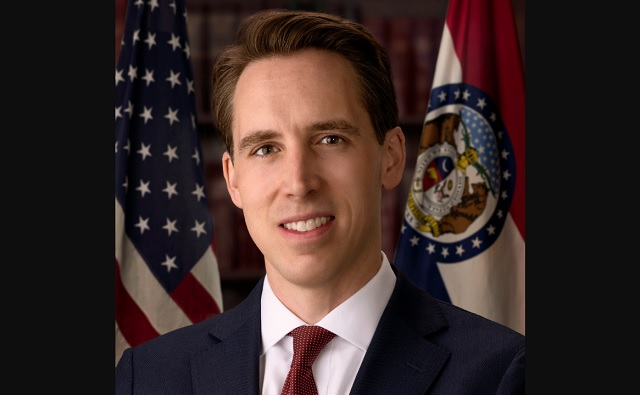 Photo of Missouri Senator Josh Hawley Unveils Populist Platform to Fight Big Tech 'Aristocrats,' Restore America