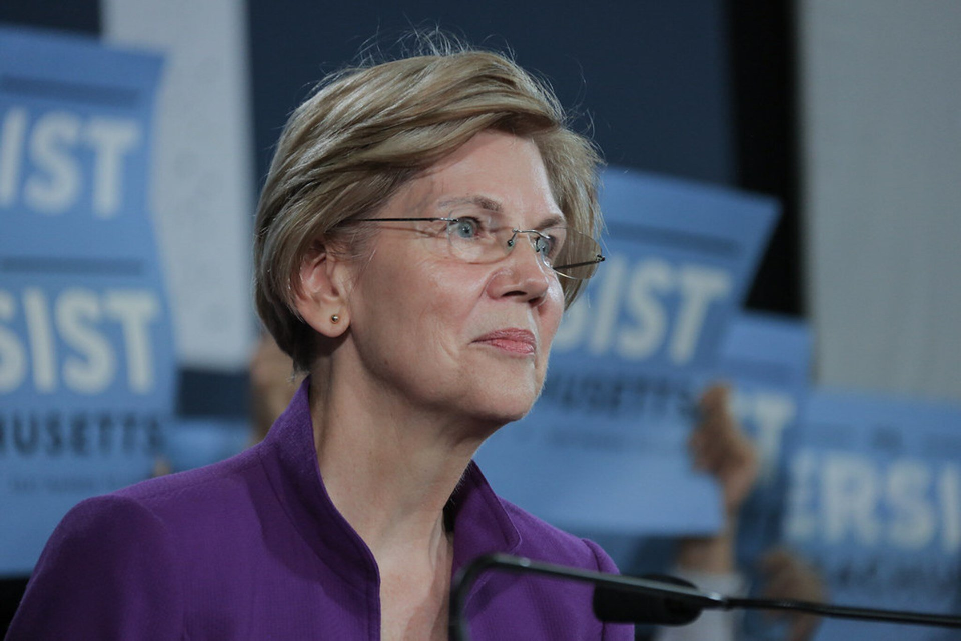 Photo of Elizabeth Warren's Plan to Eliminate Student Debt Is Worse Than You Think
