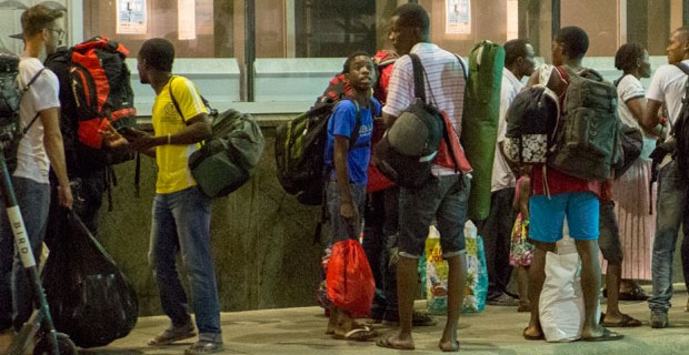 Photo of U.S. Cities Overwhelmed With Numbers of Illegal Migrants Arriving From Ebola-Stricken Countries