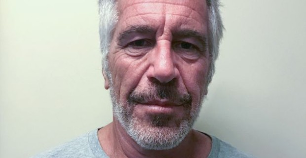 Photo of Jeffrey Epstein Had an Old Passport That Listed His Residence as Saudi Arabia