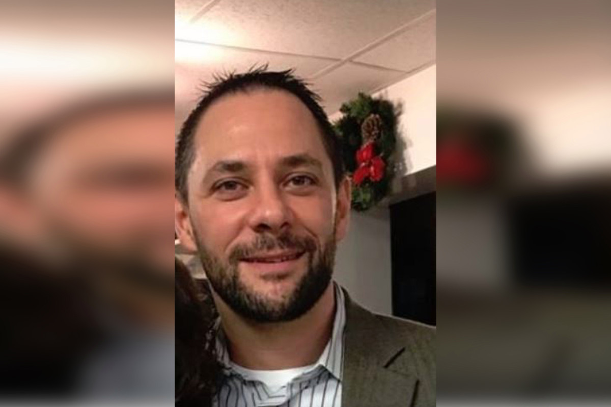 Photo of FBI Agent Brother of Cop Accused of Murder-For-Hire Plot Found Dead – Investigated As Suicide