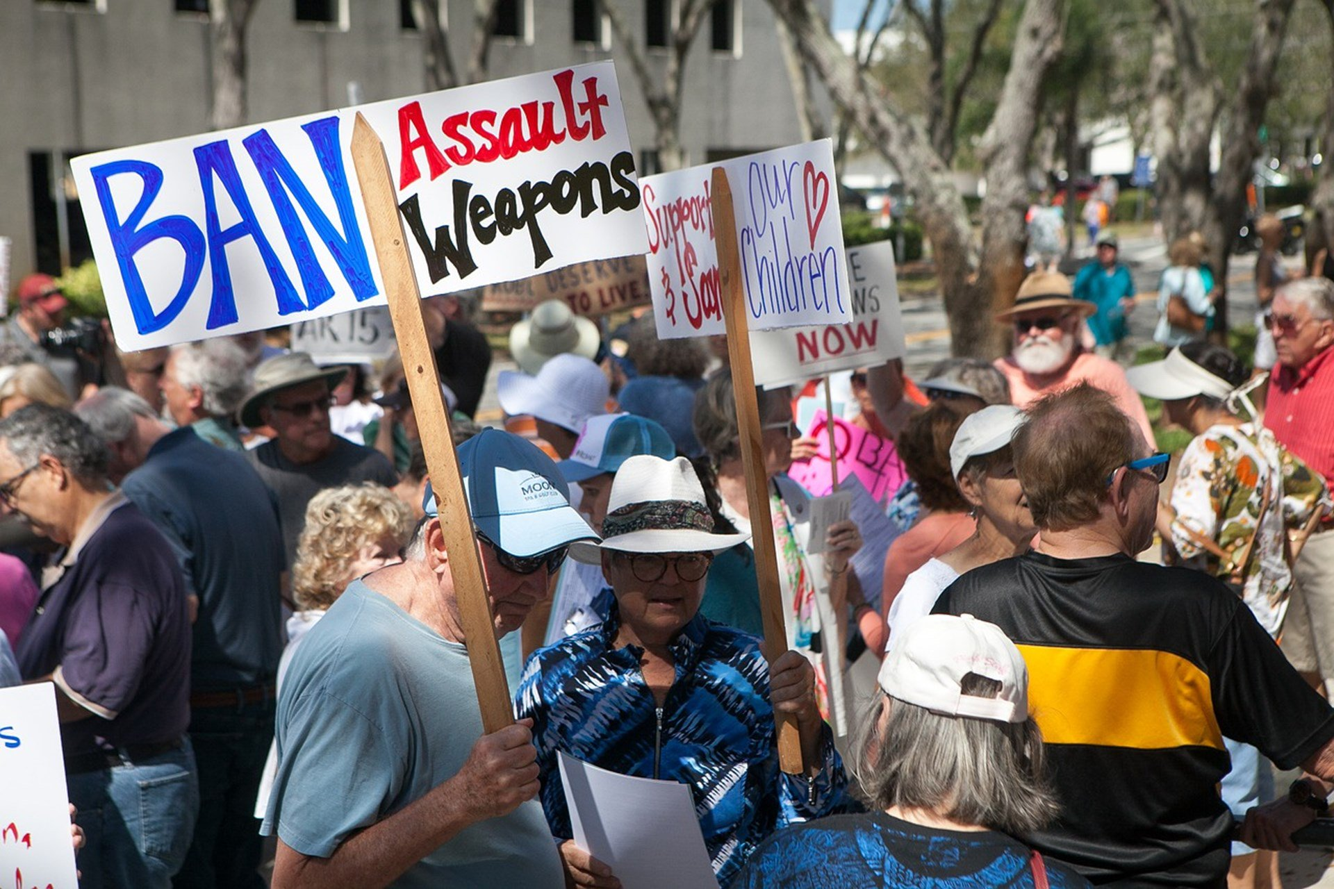 Photo of Studies Find No Evidence That Assault Weapon Bans Reduce Homicide Rates