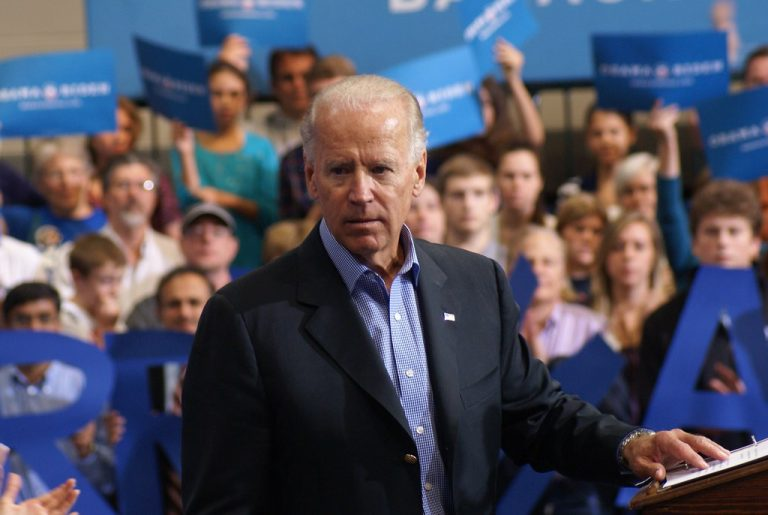 Joe Biden says as president he'd send FEDERAL agents to come take your guns