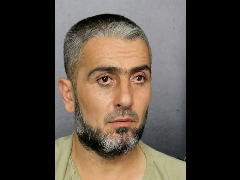 Photo of Man charged after threatening President Trump: 'We are coming for you with knives'