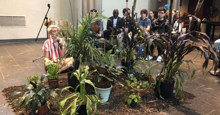 Manhattan: Students at theological seminary confess climate sins to plants