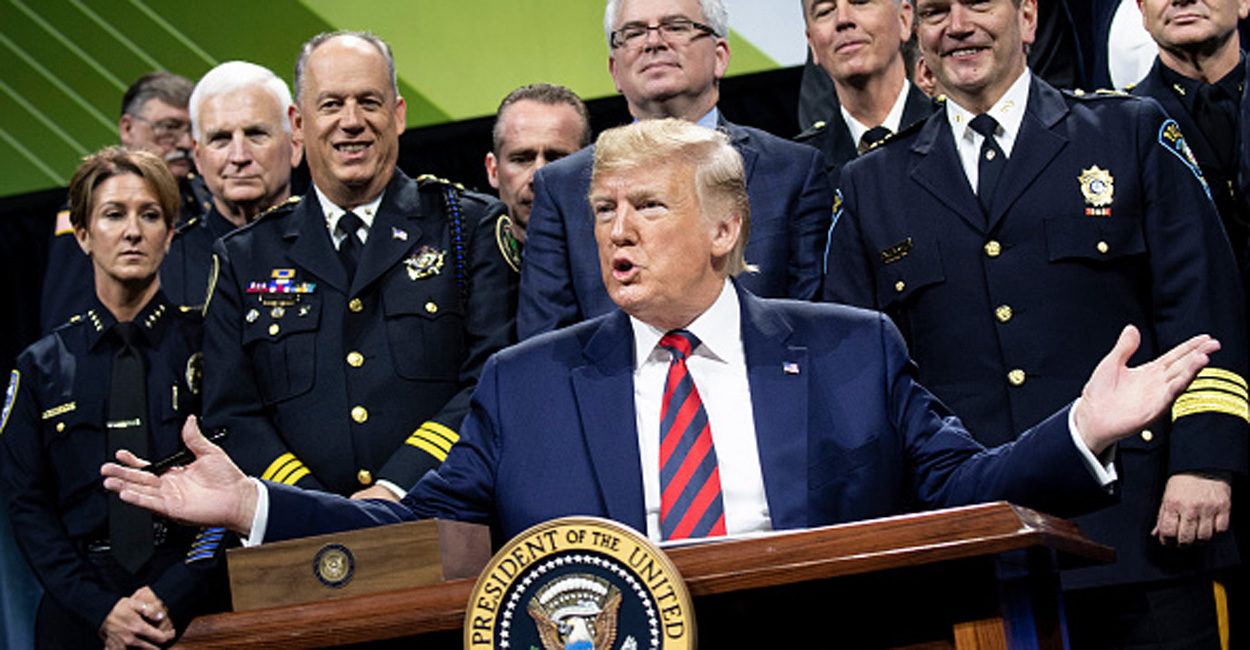 Photo of Chicago: Trump Fires Back at Police Chief Who Boycotted His Speech