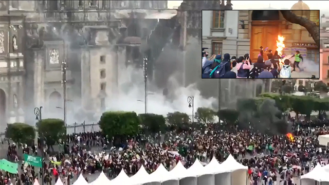 Photo of Pro-Abortion Mob Attempts to Burn Down Catholic Church In Mexico City