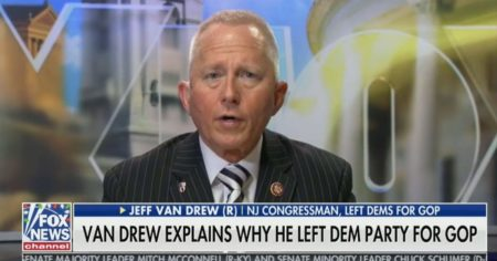 Photo of New GOP Rep Jeff Van Drew Spills the Beans — Dems Ordered Me to 'Obey' and Vote for Impeachment (Video)