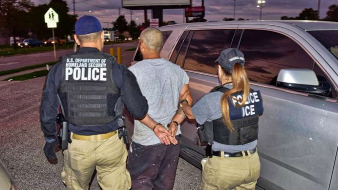 ICE Agents Tell Calif Gov to Kiss Their A$$es And Arrest Illegals Inside the Courthouse