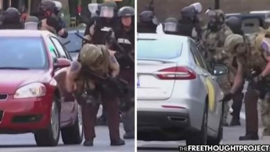 Photo of WATCH: Cops Caught Slashing the Tires of Journalists' Parked Cars—For 'Safety'