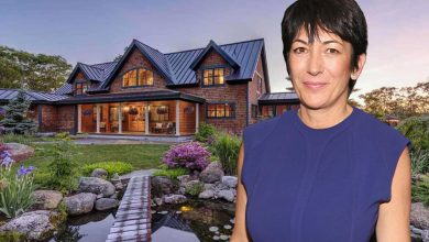 Photo of New Court Filing: Ghislaine Maxwell 'Fled' Across House During Raid; FBI Found Tin Foil-Wrapped Cell Phone