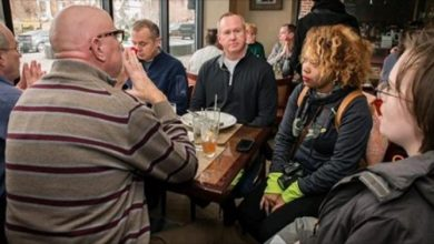 Photo of Beyond Stupid: BLM Protesters Stare at White People While They Eat Because of Racism…