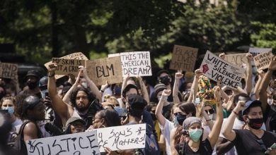 Photo of 'Give Up Your House!' BLM Protesters Demand White 'Gentrifiers' in Seattle Hand Over Their Property