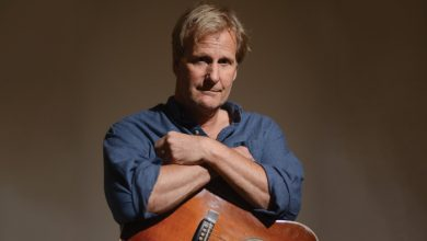 Photo of Another Hollywood celebrity, Jeff Daniels, declares war on Trump supporters, says there needs to be more hate