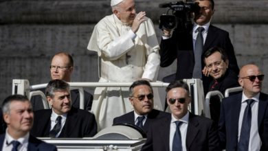 Photo of Pope Francis says New World Order needs to happen now with United Nations in charge