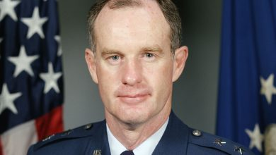 Photo of Retired 3-star General McInerney calls for President Trump to invoke Insurrection Act, suspend Habeas Corpus, declare martial law and initiate MASS ARRESTS under military authority