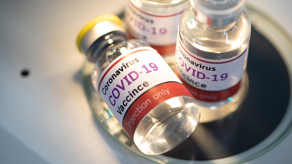"Covid-19 injections are spreading new ""variants"" of coronavirus"