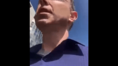 """Photo of Doctor Escorted Out Of Medical Center For Being Unvaccinated: """"What They Don't Realize Is I'm Willing To Lose Everything!"""" (Video)"""